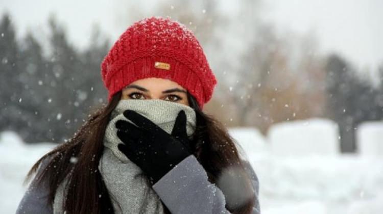Soğuk havada yüz felcinden korunun